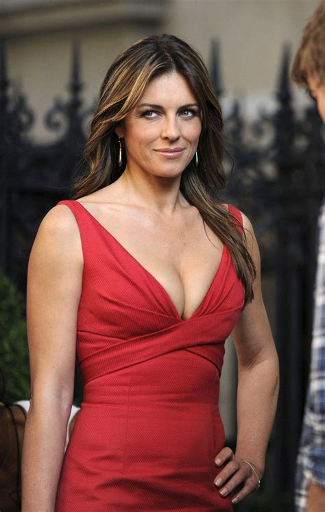 33 Hottest & Sexy Elizabeth Hurley Feet Pictures – The