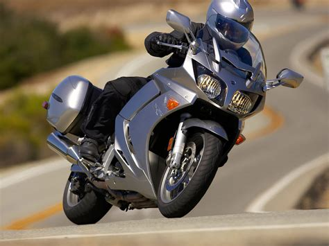 2011 YAMAHA FJR1300A motorcycle pictures